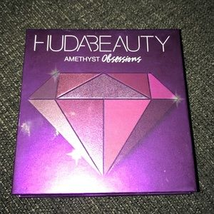 Huda Beauty Obsessions Purple Pallete